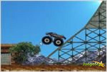monster truck demolisher carrera de demolicion